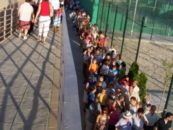 Vecinos y vecinas de La Fortuna visitan su nuevo centro polideportivo.