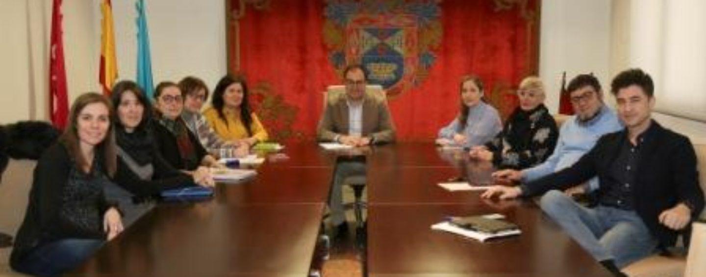 El Ayuntamiento y la asociación ProTGD presentan a los hosteleros de Leganés el proyecto 'Comercio inclusivo'