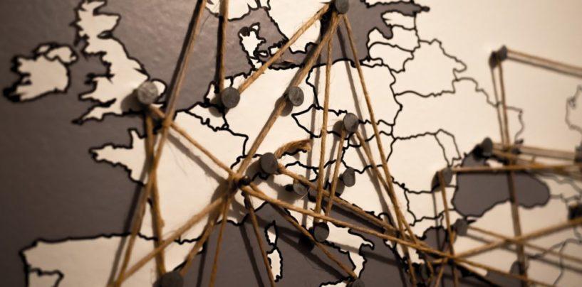 España ignora a los medios comunitarios; Europa, apoya