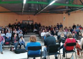 Nota sobre la desconvocatoria del encierro musical que las familias de la Escuela-Conservatorio llevan a cabo desde hace 7 días