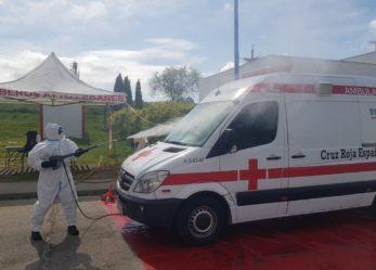 Los Bomberos de Leganés desinfectan 465 vehículos sanitarios en la estación de descontaminación instalada en Leganés