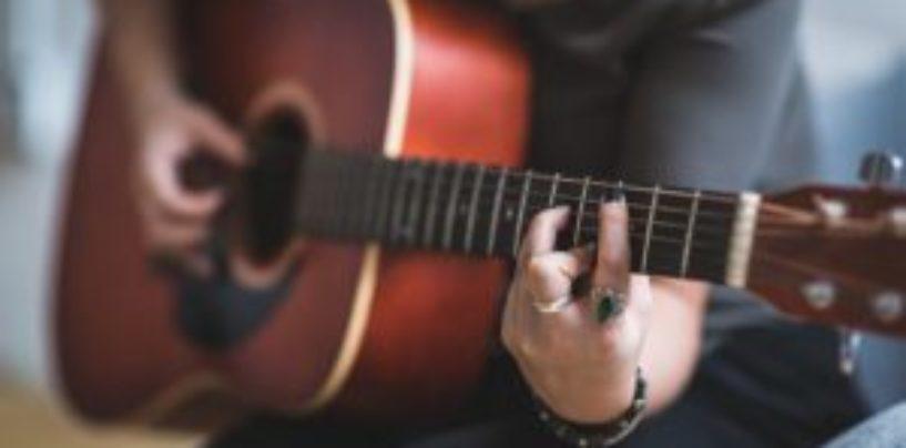 Canciones que contradicen las medidas contra el contagio del COVID