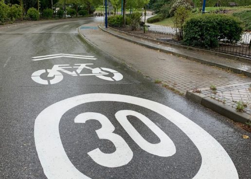 El Ayuntamiento define itinerarios para llegar en bici desde las estaciones de MetroSur y Cercanías a los 9 polígonos de la ciudad
