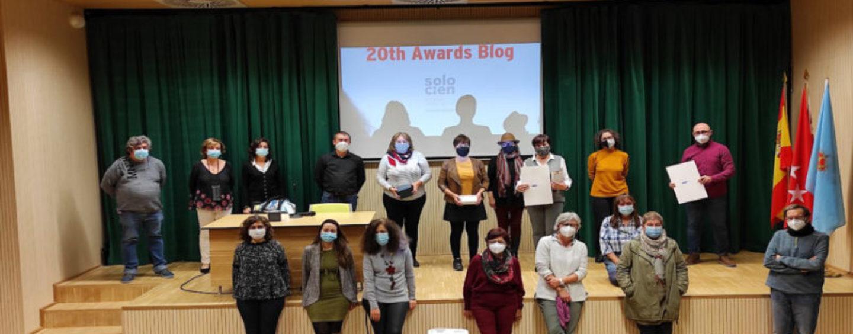La concejala de Cultura entrega en la Biblioteca Central los premios del Concurso de Microrrelatos de las bibliotecas municipales