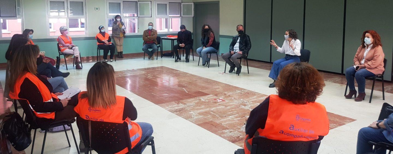 El Ayuntamiento de Leganés reorienta y amplia su proyecto de Auxiliares de Acompañamiento para cubrir las necesidades que la Covid-19 está provocando en los vecinos que más lo necesitan