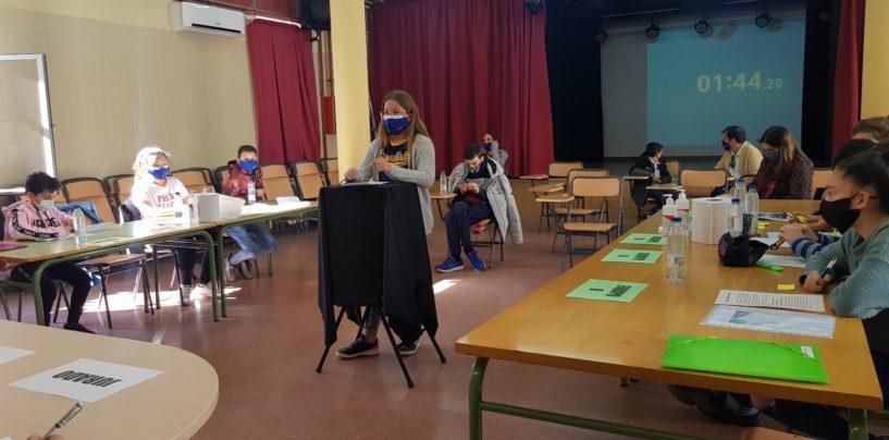 Arranca la Liga de Debate Escolar, una iniciativa del Ayuntamiento de Leganés y la UNED para desarrollar las habilidades comunicativas y el trabajo en equipo