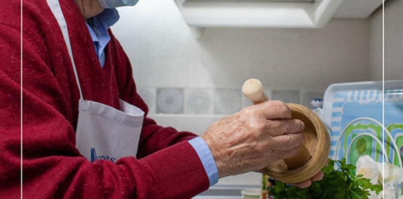 Los mayores de Leganés protagonizan una campaña que trasmite mensajes de ánimo a los vecinos y vecinas