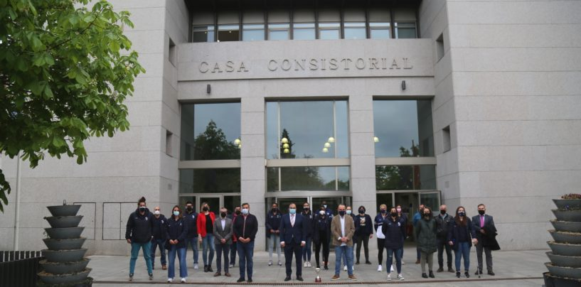 El alcalde y el concejal de Deportes reciben en la Casa Consistorial al Baloncesto Leganés tras lograr un histórico ascenso